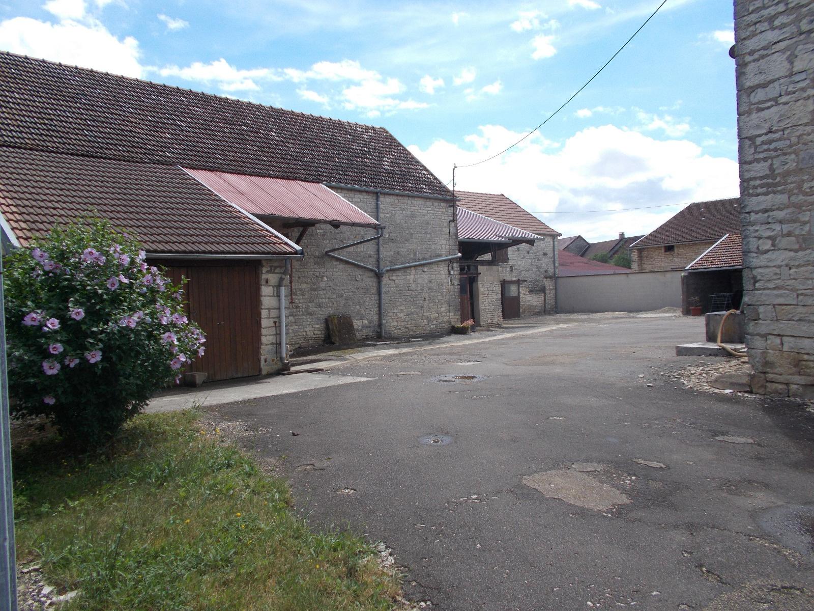 Vente ancien corps de ferme avec maison d 39 habitation for Vente habitation